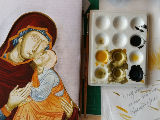 painting with italian Gold Ochre pigment and Ivory black
