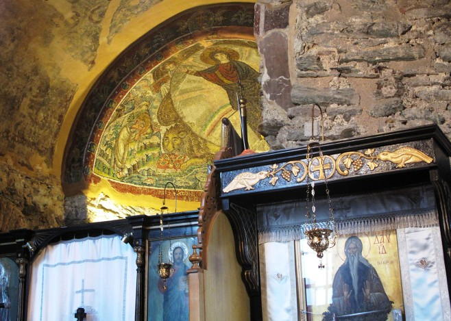 first glimpse of the mosaic in the apse